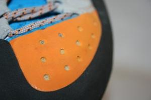 Schützt die Zehen und das Material und bringt recht wenig für Toe-Hooks